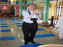 DR. JOE HOBBS'S VISIT TO SAIGON TEMPLE-MAY 2009